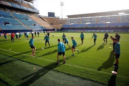 El Villarreal volvió al trabajo con la novedad de Unal y seis ausencias