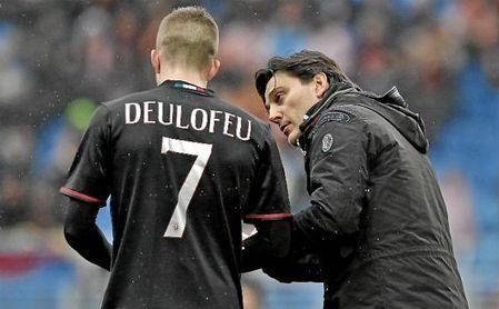 Deulofeu y Montella, en el Milan.