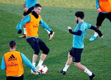 El Real Madrid cierra 2017 con una sesión en el Bernabéu