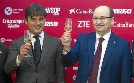 Montella y Castro brindan por el 2018.