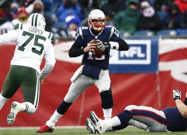 26-6. Lewis logra dos anotaciones y los Patriots ganan la ventaja de campo
