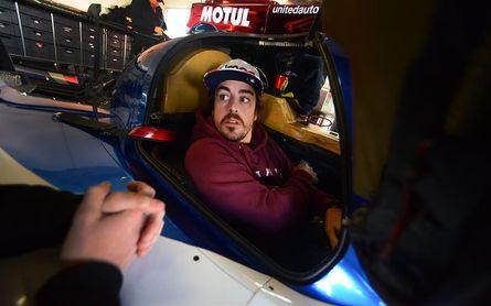 El equipo de Alonso, undécimo en la tercera sesión de pruebas libres