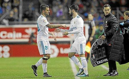 Dani Ceballos, sustituido por Isco en el partido de Copa ante el Numancia.