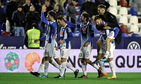 0-2. El Espanyol remonta ante un inoperante Levante y alcanza los cuartos