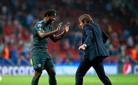 El West Ham le ha pedido al Chelsea a Batshuayi para dejar salir a Carroll.