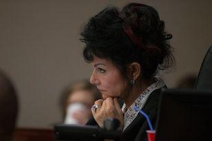 Víctimas dicen que tuvieron pensamientos suicidas por el abuso sexual del médico Larry Nassar