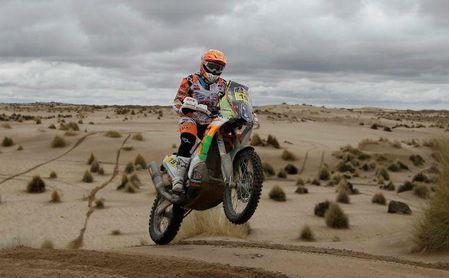 Laia Sanz se recupera de una fuerte caída en el Dakar