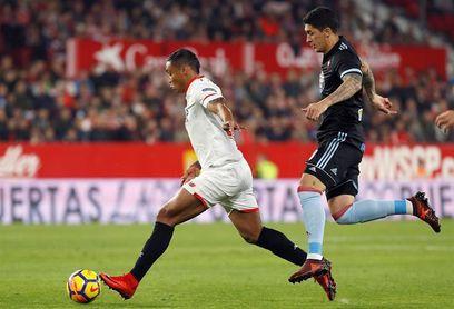 Tucu Hernández se ejercita en solitario en el entrenamiento del Celta