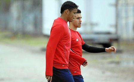 La lesión de Corchia permite a Navas jugar de inicio.