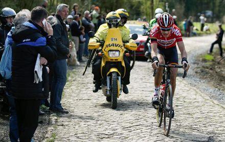 El belga Wallays saca oro de la escapada; Nájar, a un paso de ganar la Vuelta