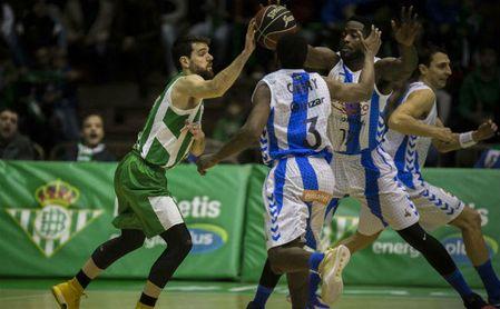 Betis Baloncesto 88-94 Guipuzkoa: Paga cara su irregularidad