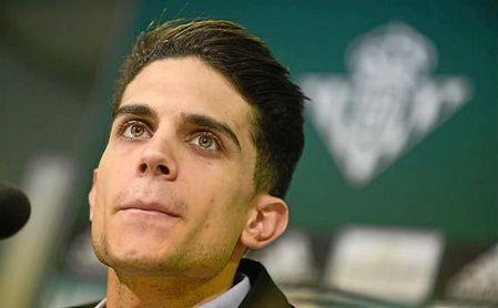 Bartra, durante su presentación con el Betis.