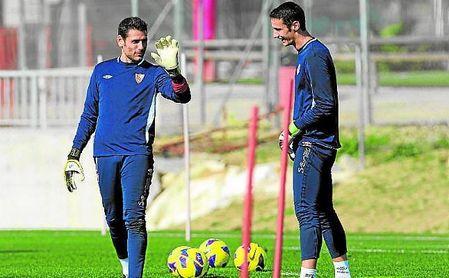 Palop y Rico, durante un entrenamiento con el Sevilla.