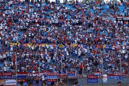 El Nacional expulsa a dos hinchas que se burlaron de la tragedia de Chapecoense