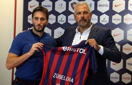 """El argentino Zubeldía llega a Paraguay para """"disfrutar de Cerro Porteño"""""""