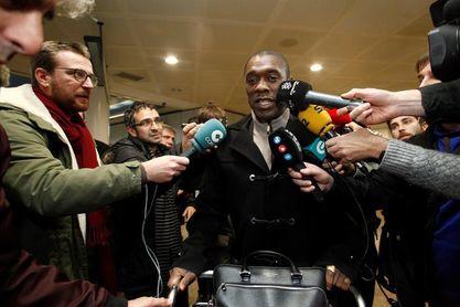 Seedorf firma con el Deportivo hasta final de temporada