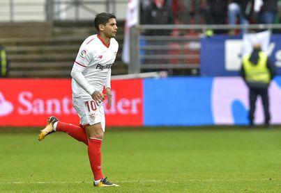 Éver Banega, mediocentro del Sevilla FC, en el partido ante el Eibar.
