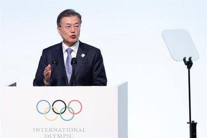 El presidente de Corea del Sur recibe a la delegación del Norte con la hermana de Kim