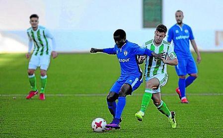 Aitor, en un lance del encuentro disputado ante el Ontinyent en la Copa Federación.