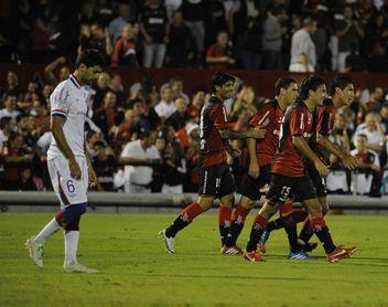 Unión empató con Newell´s y queda lejos del líder Boca Juniors
