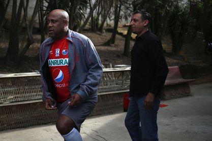 Sanarate del argentino Pablo Centrone defenderá liderato ante Malacateco