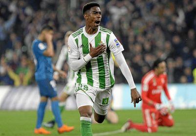 Junior celebra el segundo con ante el Real Madrid.