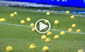 En Alemania imitan a los Biris: bolas de tenis como protesta