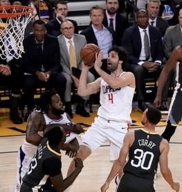 134-127. Curry, con 44 puntos, hizo posible la victoria de Warriors