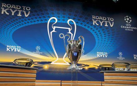 Partidos a las 18.55 y 21.00 horas y 26 equipos directos a la fase de grupos