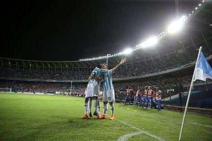 4-2. Racing Club vence al Cruzeiro con un triplete de Lautaro Martínez