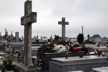 ´Quini´ es enterrado en Avilés en la intimidad familiar
