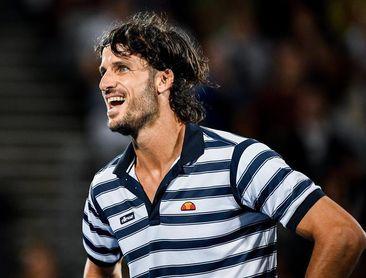 El tenista español Feliciano López reconoce que su saque le da puntos gratis