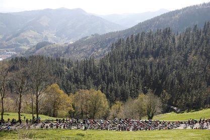Arrate decidirá la Vuelta al País Vasco en una última etapa con ocho puertos