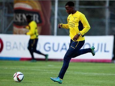 Destacar en la Superliga China, el reto del goleador ecuatoriano Jaime Ayoví