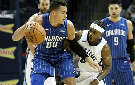 115-106. Gordon logra doble-doble en el triunfo de los Magic