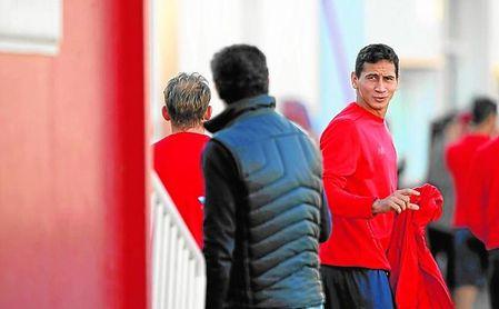 El Sevilla no atiende a la petición de salir libre del agente del brasileño Paulo Henrique Ganso.