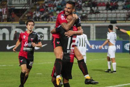 Colón recibe a un Zamora que buscará una remontada épica para seguir en el torneo