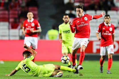 El Benfica vence sin problemas al Desportivo Aves (2-0) y se acerca al Oporto