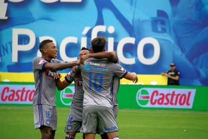 Emelec amplía su campaña perfecta y el Independiente cede un empate ante el colista
