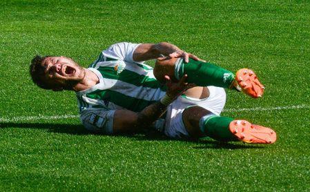 Otro hándicap para el Betis Deportivo: más de un mes sin Aitor Ruibal