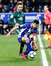 Loren (Betis) llega a los cinco goles con un doblete al Alavés