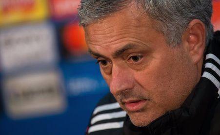 """Mourinho dice que De Boer es """"el peor técnico en la historia de la Premier"""""""