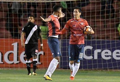 Wilstermann se impone al Bolívar y lidera Grupo A del Apertura