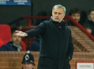 """El fútbol luso premia a Mourinho por su labor de """"embajador de excelencia"""""""