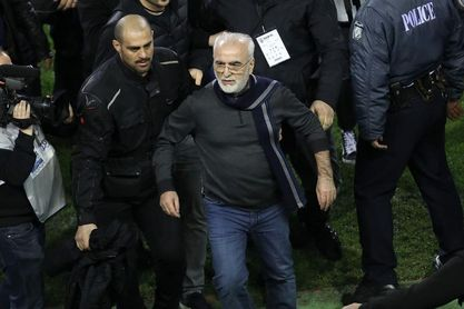 """Lucas ve """"chocantes"""" las imágenes de Grecia y recuerda que Savvidis le ayudó"""