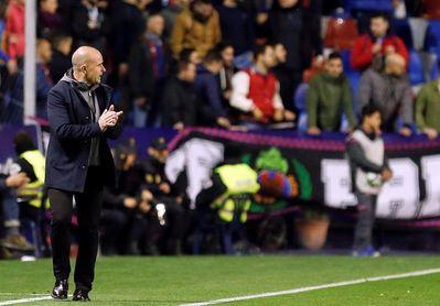 Paco López, primer entrenador que gana sus dos primeros partidos con Levante