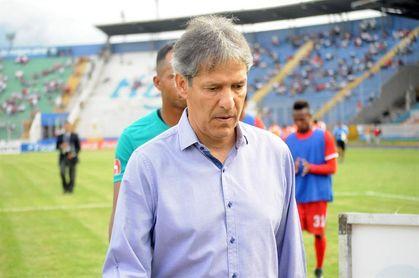 El Olimpia de Honduras agradece al ´Piscis´ Restrepo por su trabajo en el club