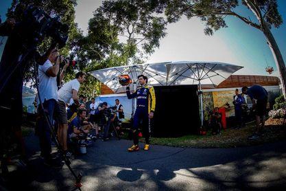 """Sainz: """"Los viernes en Australia son todavía más complicados"""""""