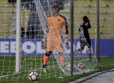 Peñarol busca mantener el invicto mientras que Nacional lo acecha un punto