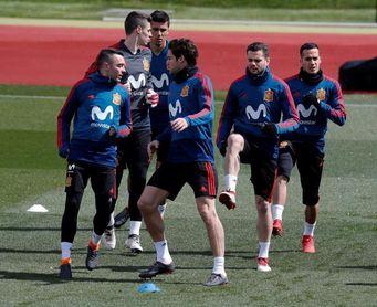 España abre su entrenamiento del Metropolitano a 42.000 aficionados